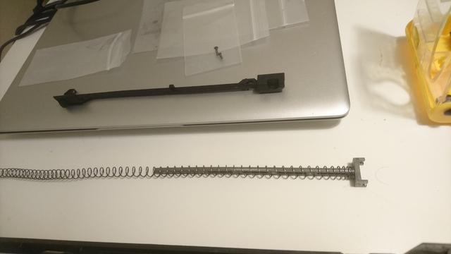 M14socom 軽量化 チャージングレバー取外5