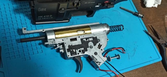HK416_次世代軽量化Ⅱ_22_メカボ取出し.jpg