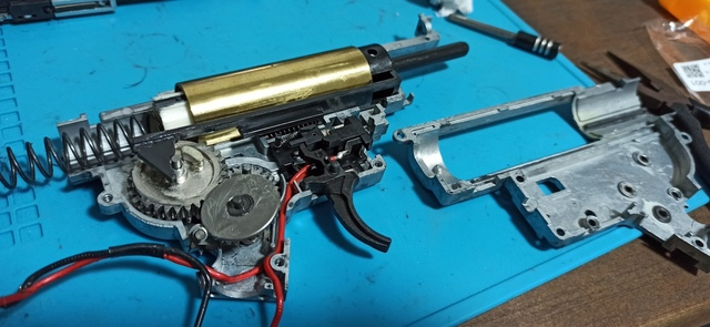 HK416_次世代軽量化Ⅱ_29_メカボ開帳.jpg